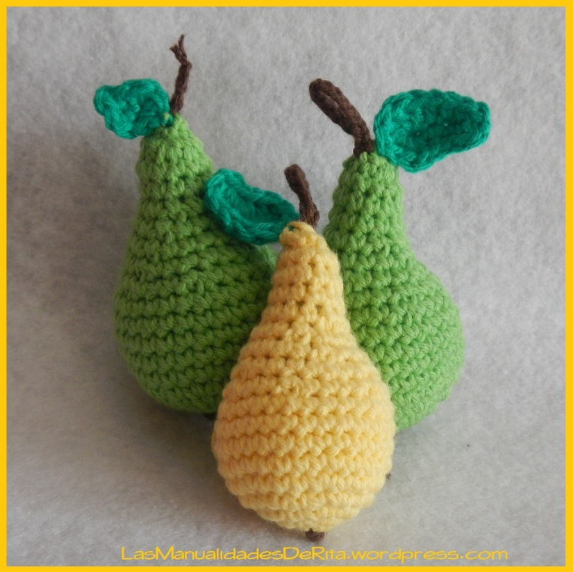 fruta amigurumi pera