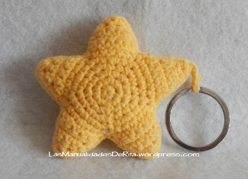 Llavero estrella ganchillo