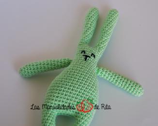 conejito-sonajero-verde-clarito-3_