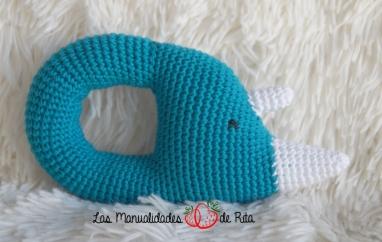 sonajero-rinoceronte-ganchillo-1