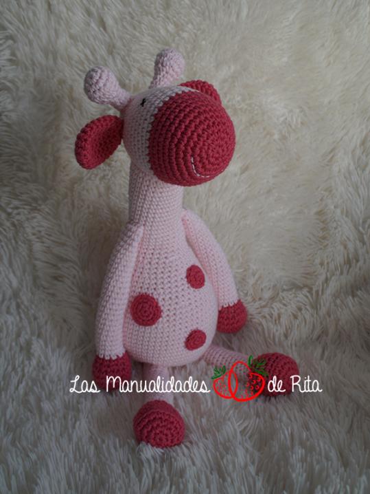 jirafa-rosa-lunares-3_